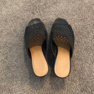 Black wedge sandal.